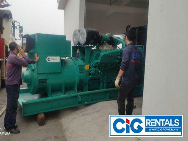 Rút cont và định vị hai máy phát điện 1400KVA tại Công ty Vienergy