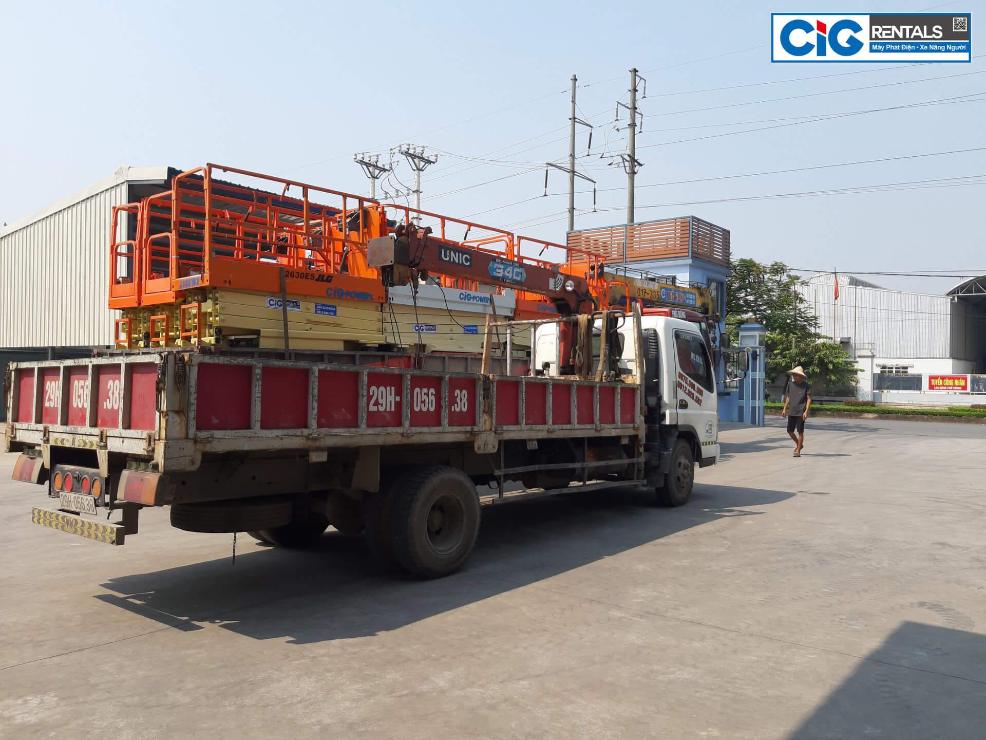 CIG tập kết và vận chuyển xe nâng người tại Bình Dương