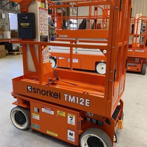 Khung nâng người dạng di động Snorkel TM12