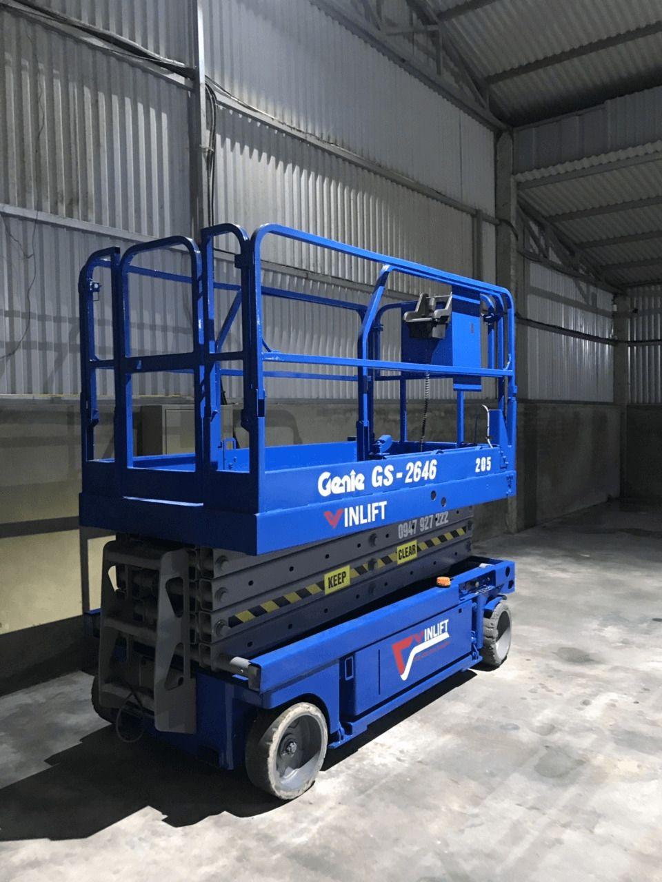 Thuê xe thang nâng người tự hành tại Hưng Yên